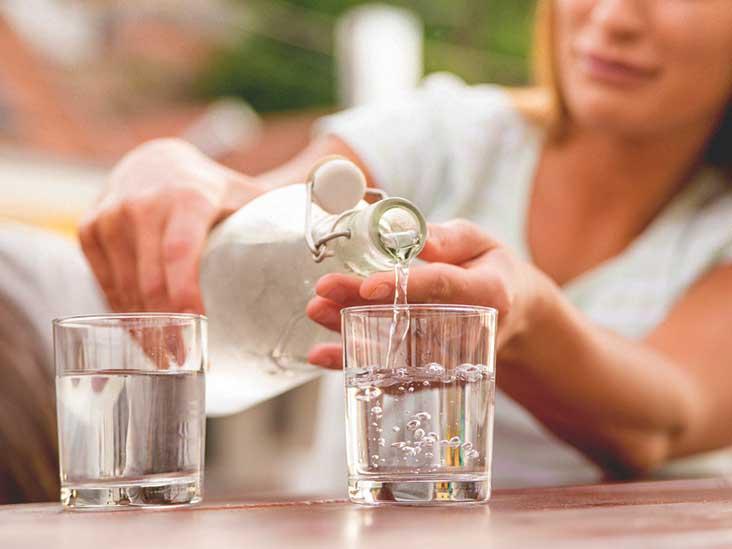 खाली पेट पानी पिउनुका ९ आश्चर्यजनक फाइदा